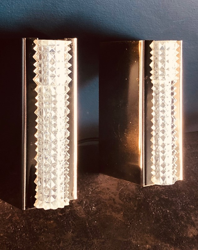 Pair of Italian Wall Lights-20th-century-filth-bathroom-lucite-wall-lights-4-main-637249906005286124.jpg