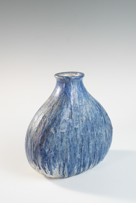 Blue medium onion shaped vase by Marcello Fantoni-3details-blue-medium-onion-shaped-vase-by-marcello-fantoni-1-main-637292166580342618.jpg