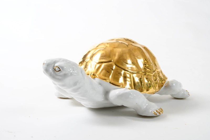 ceramic tortoise with gold detailing by Ronzan-3details-ceramic-tortoise-with-gold-detailing-by-ronzan-8-main-637327431022276354.jpg