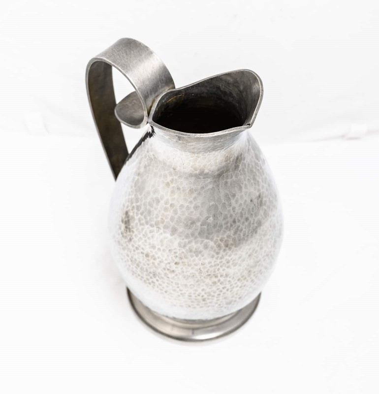 Jean Després pewter pitcher-3details-jean-desprs-pewter-pitcher6-main-637322318719967686.jpg