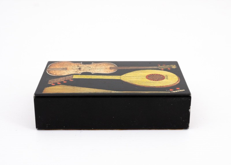 small Fornasetti guitars and zithers box-3details-small-fornasetti-guitars-and-zithers-box1-main-637200484757501087.jpg