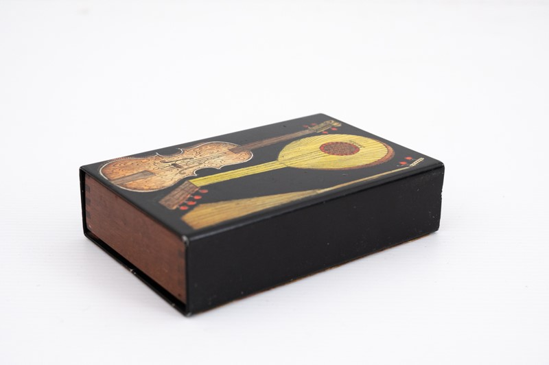 small Fornasetti guitars and zithers box-3details-small-fornasetti-guitars-and-zithers-box2-main-637200484639376736.jpg