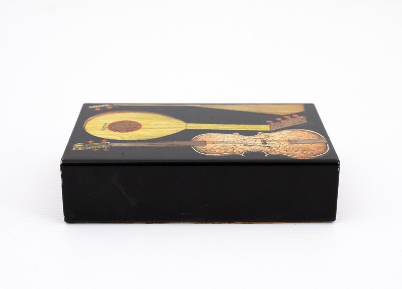 small Fornasetti guitars and zithers box-3details-small-fornasetti-guitars-and-zithers-box5-main-637200484731563370.jpg