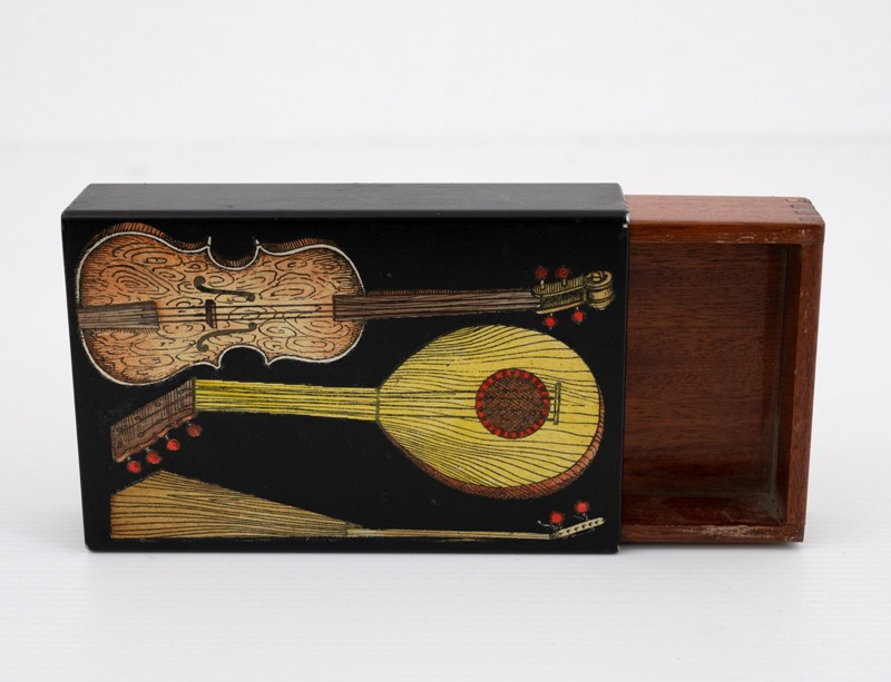 small Fornasetti guitars and zithers box-3details-small-fornasetti-guitars-and-zithers-box7-main-637200484737813356.jpg