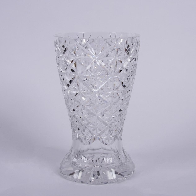 Cut Glass Crystal Vase with Star Design -43edaf1e-cf5c-4b11-8418-341757584e60.jpg