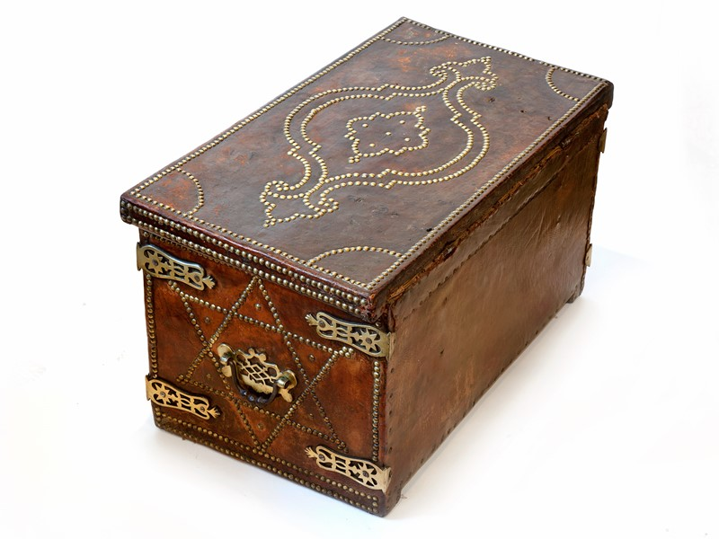 18th C Spanish Brass Bound Leather Trunk-aeology-at-relic-antiques-relic-antiques-48111-main-637178885759427859.jpg