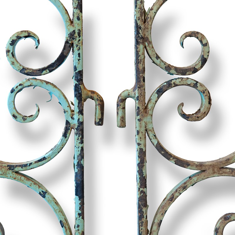 Pair of Small 19th Century French Iron Gates-aeology-at-relic-antiques-relic-antiques-49992-main-637178910859142373.jpg
