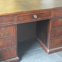 18TH CENTURY MAHOGANY PARTNERS DESK