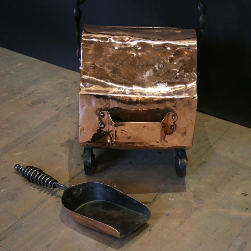 Arts and Crafts Coalscuttle-antique-fireplaces-london-copper-coal-scuttle-and-shovel-94450-2-2000x-main-637002697236474425.jpg