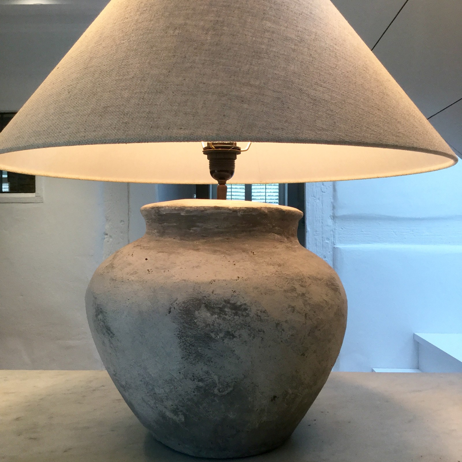Zoom; Ceramic Table Lamp With Belgian Linen Shade  Anton K Image_main