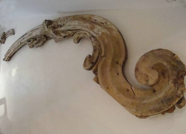 18th Century Italian Scroll Carved Fragment-appley-hoare-18th-century-italian-scroll-carved-fragment-632_1.jpg