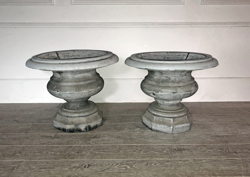 Beautiful Pair of early 19th French Zinc Urns -appley-hoare-19thcpairzincurns3-main-637428702857826459.jpg