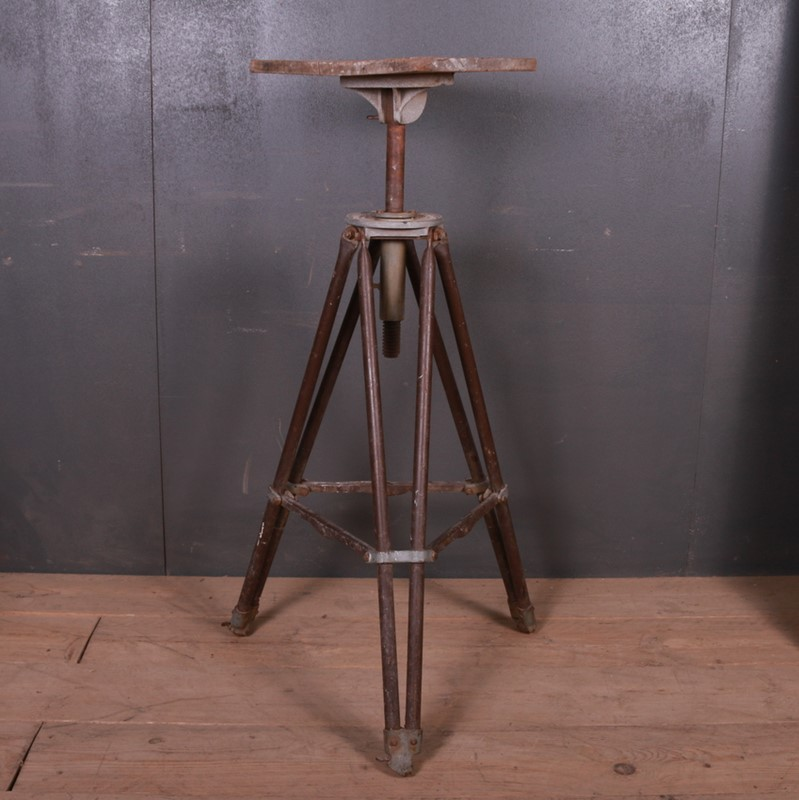 Industrial Sculpture Stand-arcadia-antiques-img-7882-main-637261898137082401.JPG