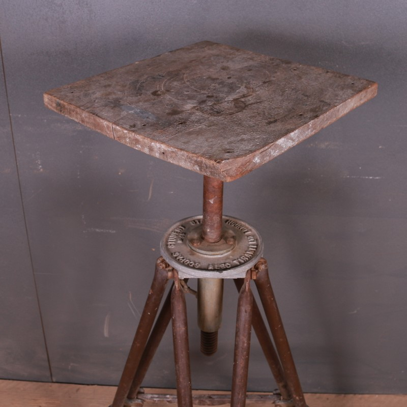 Industrial Sculpture Stand-arcadia-antiques-img-7886-main-637261898522861145.JPG