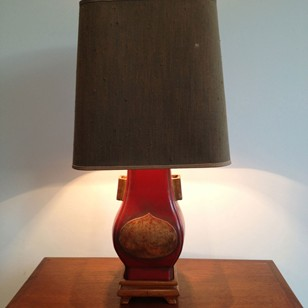 Chinese inspiration red lacquered table lamp.