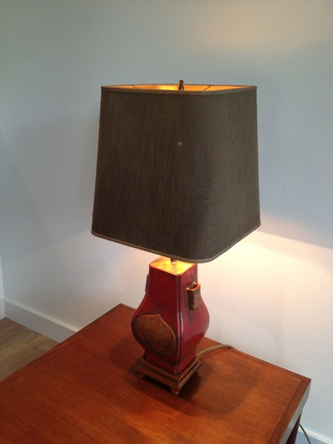 Chinese inspiration red lacquered table lamp.-barrois-antiques-50's-3759_main_636296572853989801.jpg