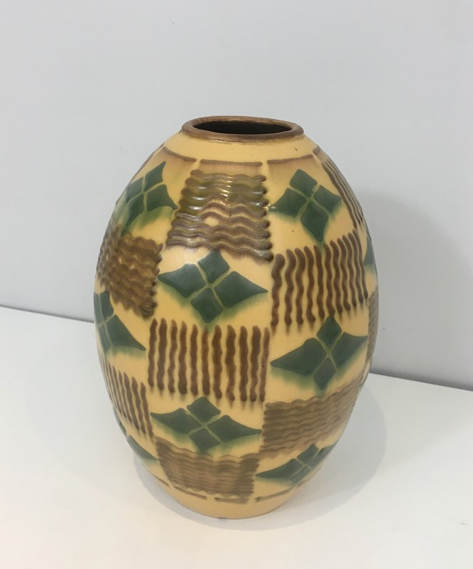 Ceramic Art Deco Vase. Circa 1930-barrois-antiques-50s-35130-main-637084807183435225.jpg