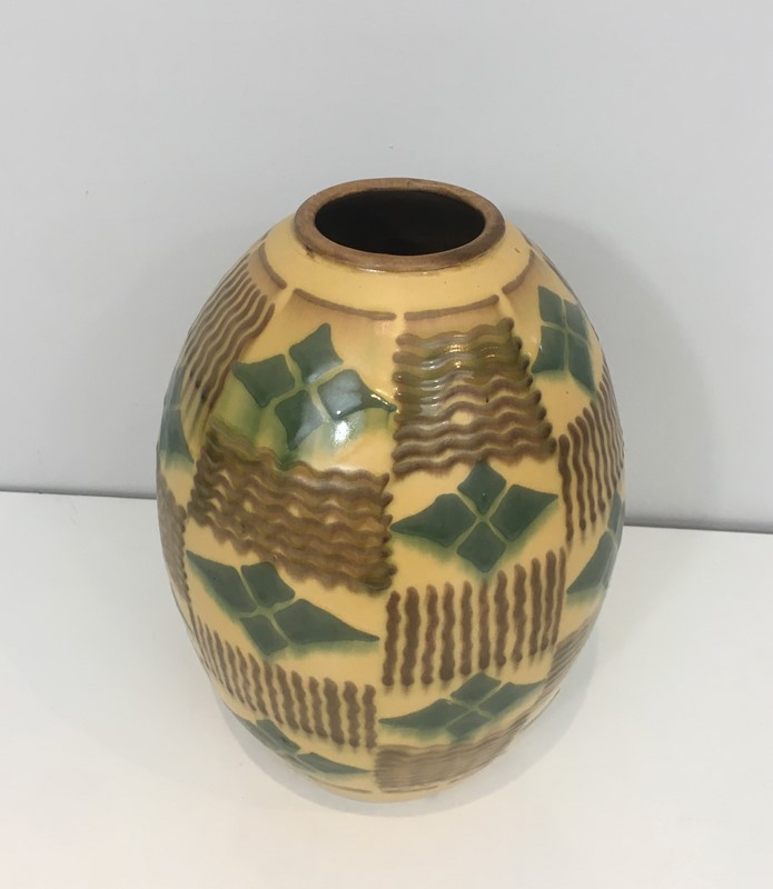 Ceramic Art Deco Vase. Circa 1930-barrois-antiques-50s-35133-main-637084808374991132.jpg