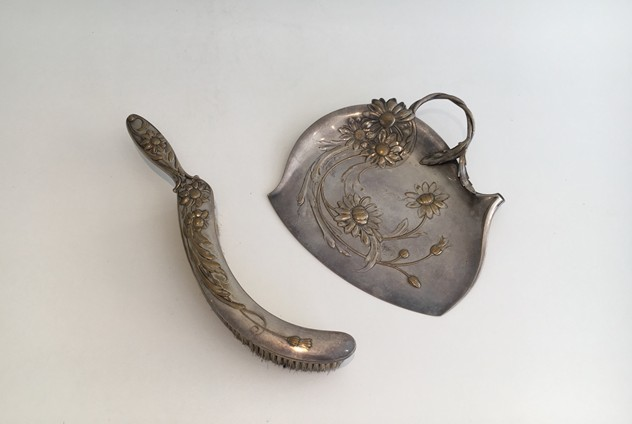 Art & Crafts silver plated and brass crumb scoop-barrois-antiques-AD-902_main_636462515434420268.jpg
