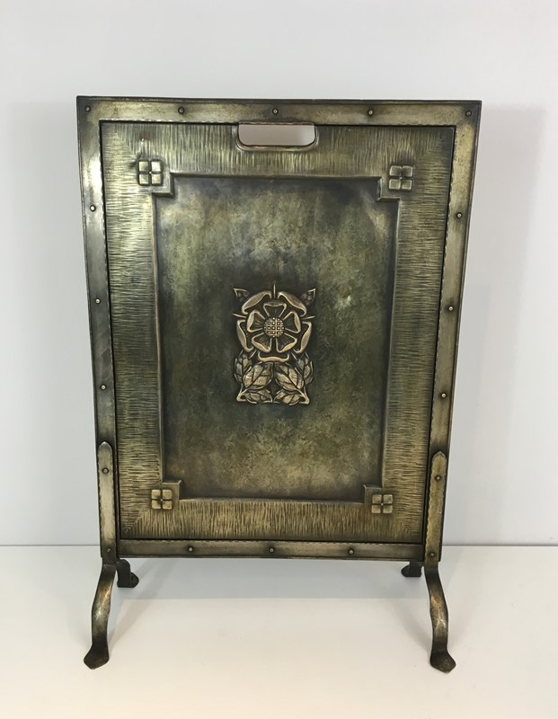 Arts & Crafts Brass and Iron Fire Place Screen. -barrois-antiques-fp-1483-main-636845242886959321.JPG