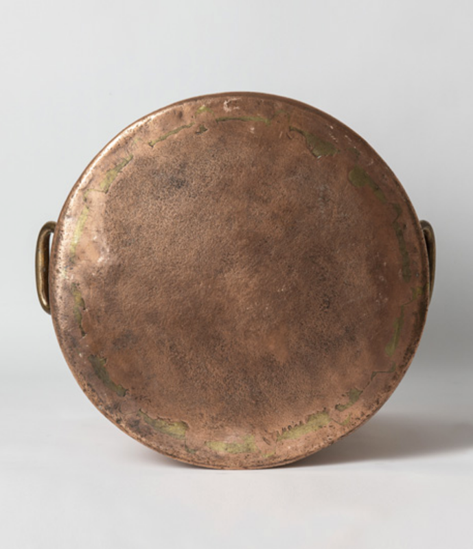 Large antique copper pot with handles-bibliotheca-culinaria-screenshot-2019-10-28-135829-main-637078680341163030.png