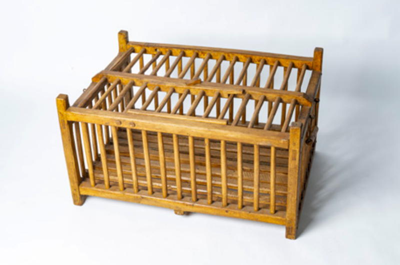 Wooden poultry transportation cage-bibliotheca-culinaria-screenshot-2020-09-10-at-075055-main-637353214707809076.png