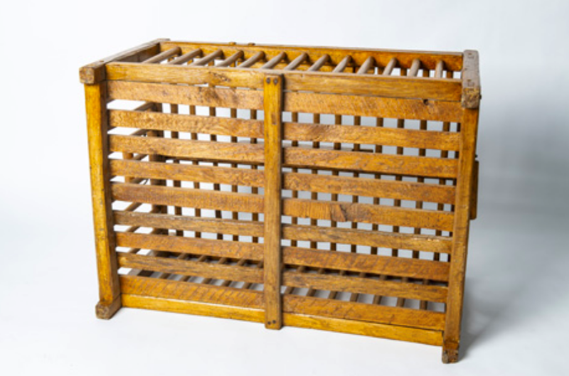 Wooden poultry transportation cage-bibliotheca-culinaria-screenshot-2020-09-10-at-075537-main-637353214771401563.png