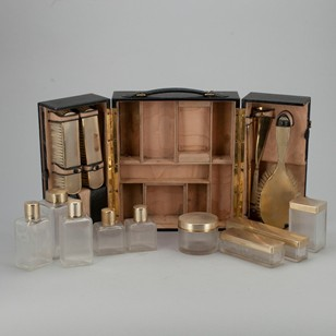 A Fine English Toiletry Set c1929