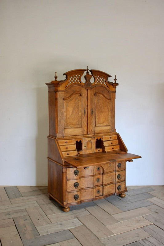 18th Cent Louis XVI Bureau in Elm-brownrigg-outstanding-18th-cent-louis-xvi-bureau-in-elm-3922-E2-main-636680291136837154.jpeg