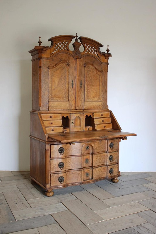 18th Cent Louis XVI Bureau in Elm-brownrigg-outstanding-18th-cent-louis-xvi-bureau-in-elm-3922-E3-main-636680291144169530.jpeg