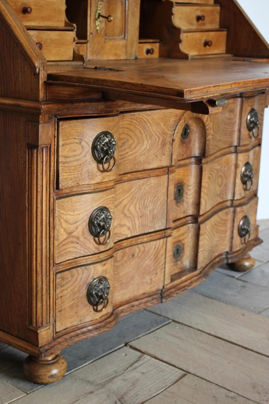 18th Cent Louis XVI Bureau in Elm-brownrigg-outstanding-18th-cent-louis-xvi-bureau-in-elm-3922-E4-main-636680291152437954.jpeg