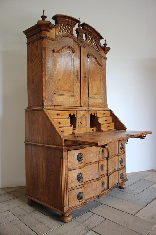 18th Cent Louis XVI Bureau in Elm-brownrigg-outstanding-18th-cent-louis-xvi-bureau-in-elm-3922-E5-main-636680291161174402.jpeg