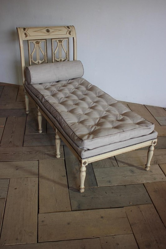 A circa 1900 French painted daybed -brownrigg-product26-12oct-2141-1-main-636752017042318289.jpeg