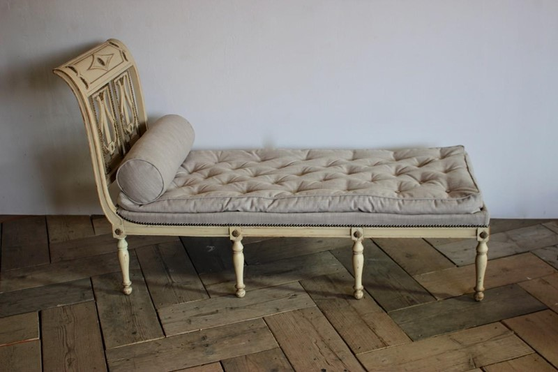 A circa 1900 French painted daybed -brownrigg-product26-12oct-2141-E2-main-636752017058880050.jpeg