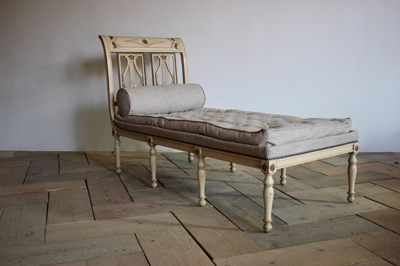 A circa 1900 French painted daybed -brownrigg-product26-12oct-2141-L-main-636752017063099561.jpeg