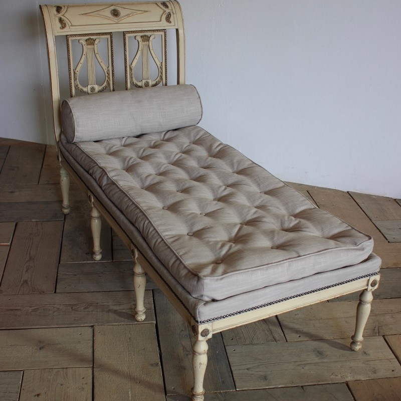 A circa 1900 French painted daybed -brownrigg-product26-12oct-2141-THEx-main-636752016278401934.jpeg