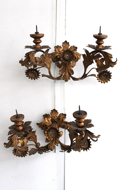 A pair of Italian gilt tole wall lights-carlton-davidson-img-8790-v2-main-637476000670223982.jpg