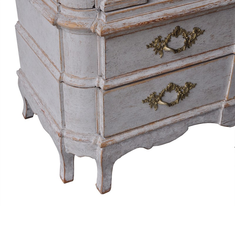 A Stunning Rococo Cabinet-christopher-hall-antiques-rococco-07-main-637157587907216575.jpg