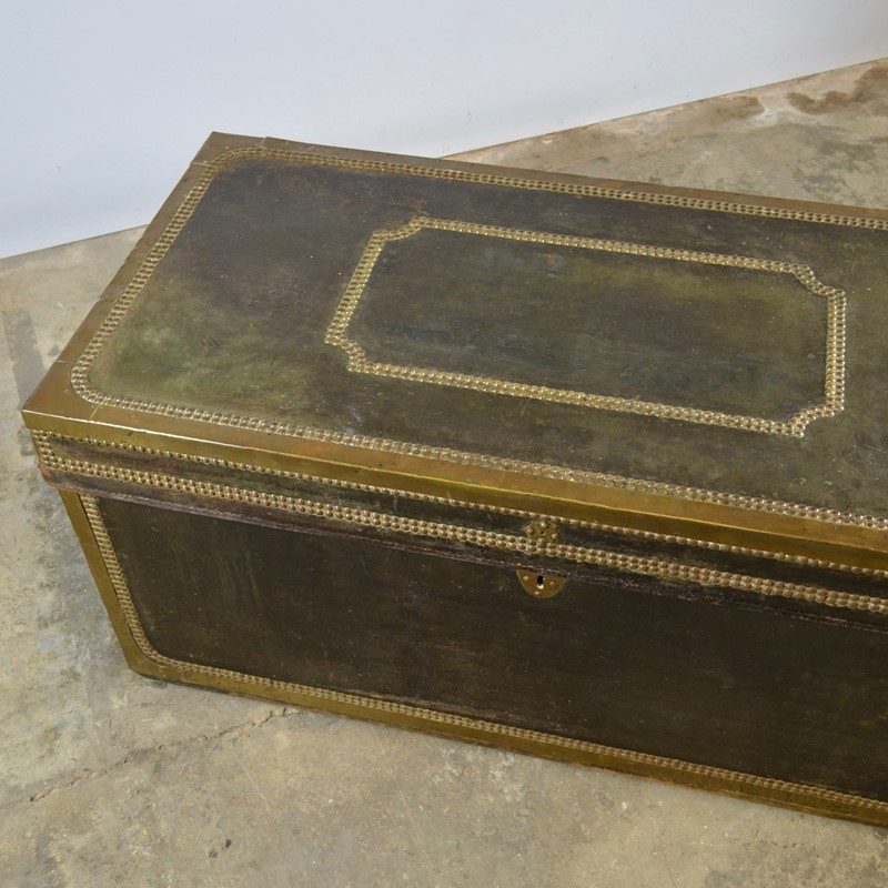 Regency Leather Bound Trunk-claire-langley-antiques-dsc-0348-main-637242883608557334.jpg