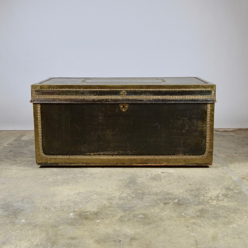 Regency Leather Bound Trunk-claire-langley-antiques-dsc-0357-main-637242883321527858.jpg