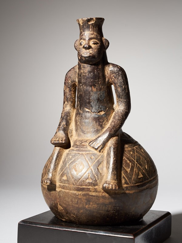 Anthropomorphic Figural Vessel in Terracotta-collectit-by-spectandum-000267-01-2mb-main-637360448318750212.jpg