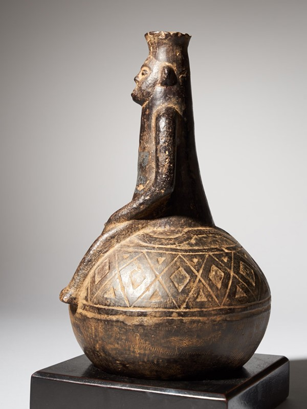 Anthropomorphic Figural Vessel in Terracotta-collectit-by-spectandum-000267-02-2mb-main-637360448349885725.jpg