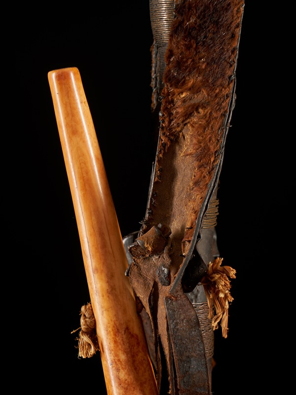 Shi People, ceremonial sword from DRC-collectit-by-spectandum-001710-10-2mb-main-637362955402955139.jpg