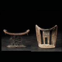 Set of 2 tribal neckrests from East Africa