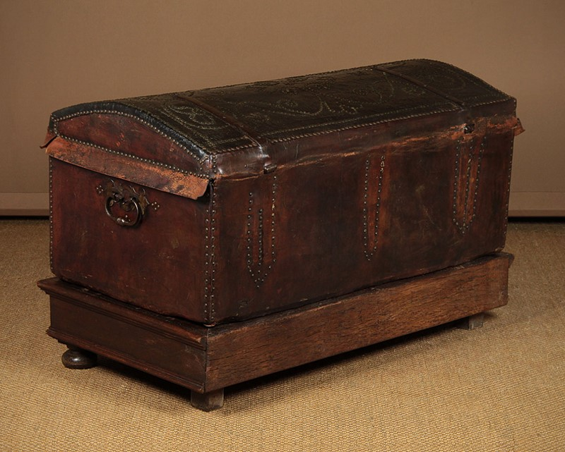 19th.c. Leather Bound Trunk on Stand.-collinge-antiques-img-4597-main-637321624946381731.jpg
