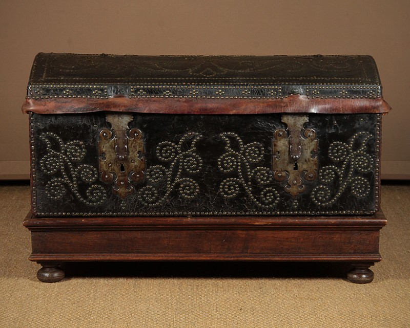 19th.c. Leather Bound Trunk on Stand.-collinge-antiques-img-4729-main-637321624958413171.jpg
