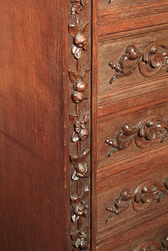 Carved Oak Bank of Drawers.-collinge-antiques-img-6185-main-637250692195196931.jpg