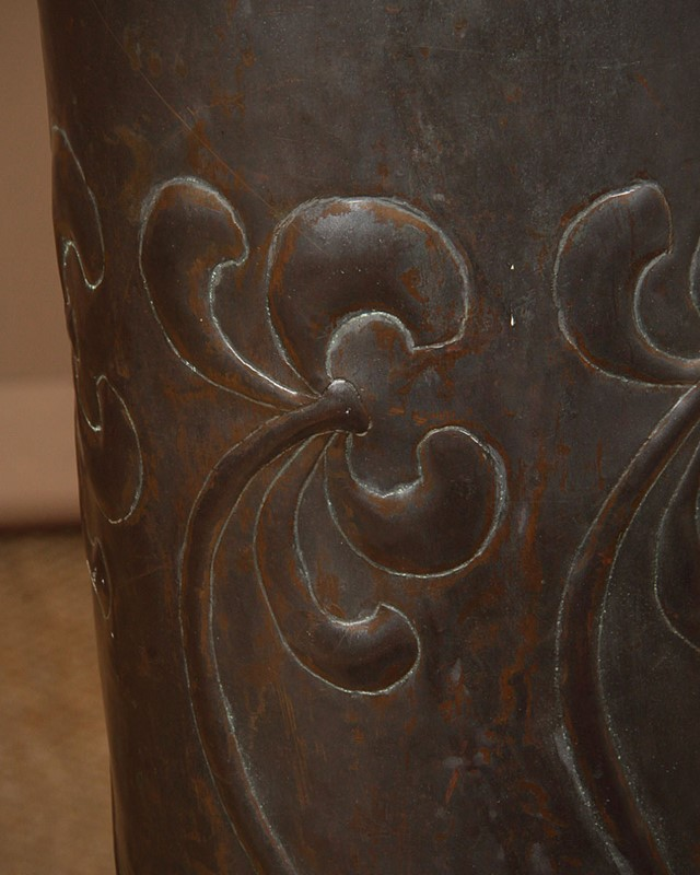 Large Arts & Crafts Copper Floor Vase.-collinge-antiques-img-9113-main-637410611557967165.jpg
