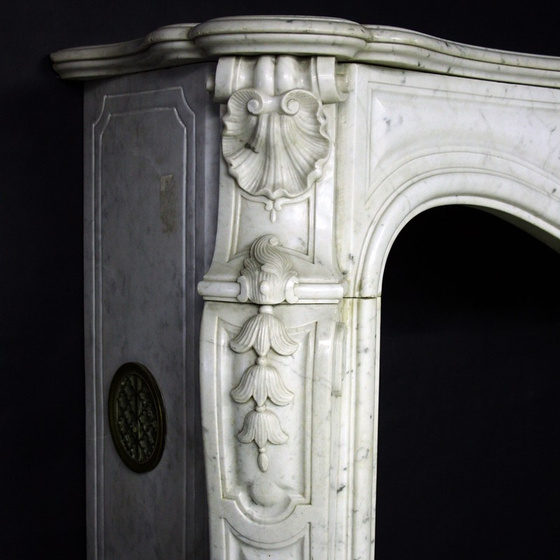 19th Century Louis XV Sicilian Marble Chimneypiece-cubbit-antiques-fireplace-sicilianmarblelouisxv-closeup1-main-637067470583975134.jpg