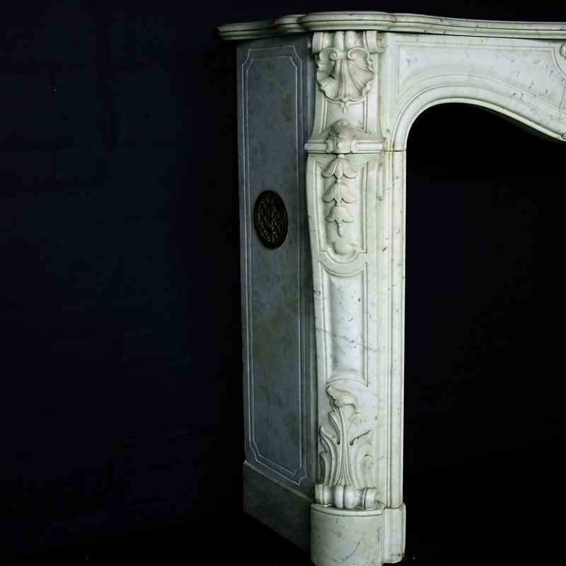 19th Century Louis XV Sicilian Marble Chimneypiece-cubbit-antiques-fireplace-sicilianmarblelouisxv-leg2-main-637067472066387181.jpg